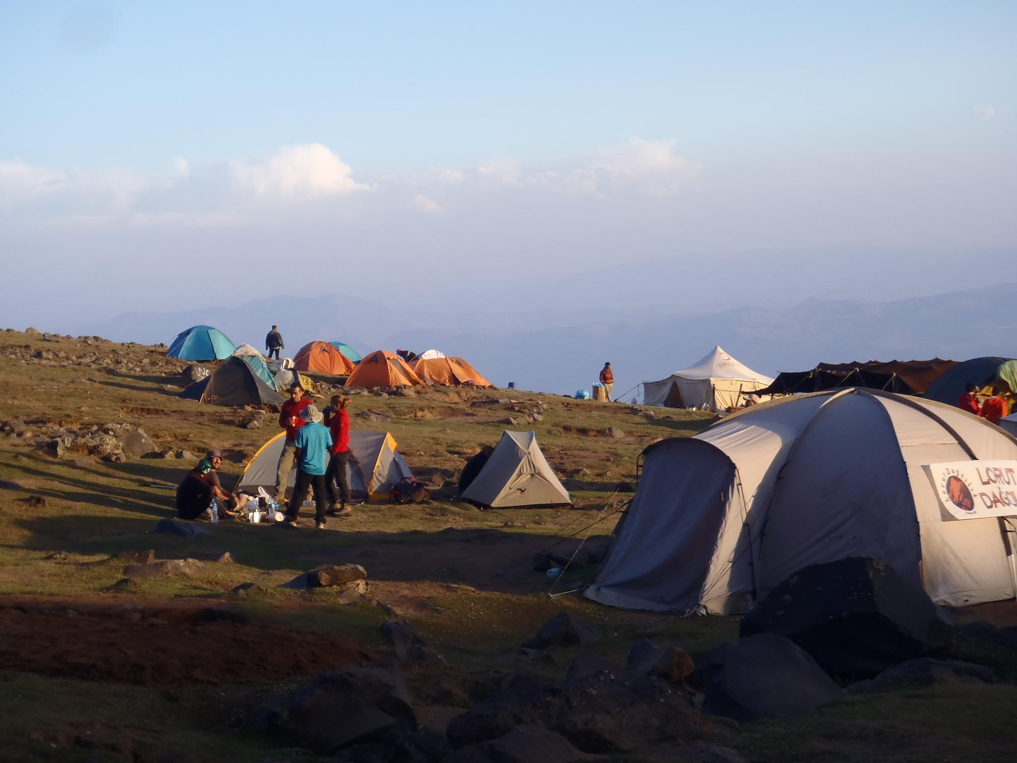 Първи лагер на 3200 м.