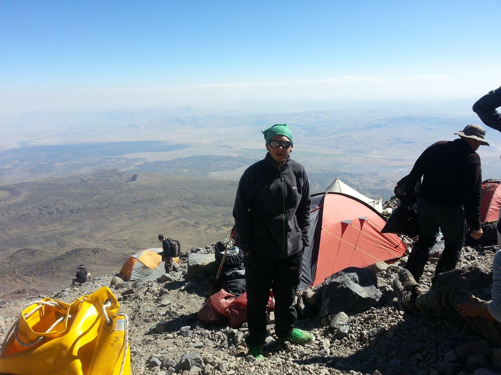 Втори лагер - 4200 м.